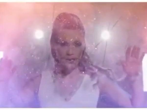 """""""Connected"""" е четвъртият самостоятелен проект на изпълнителката Венета Стоилова. Текстът"""