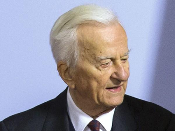 Синът на бившия президент на ФРГ Рихард фон Вайцзекер –