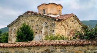 """""""Без будилник"""": Затрупаният хилядолетен храм """"Св. Димитър"""" в Паталеница"""