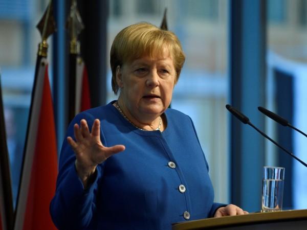 Германският канцлер Ангела Меркел възнамерява да посети бившия нацистки концлагер
