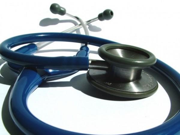 Здравната комисия в парламента отхвърли и двата законопроекта, които предвиждат
