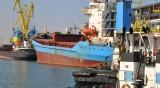 Ураганен вятър затвори пристанищата във Варна и Бургас