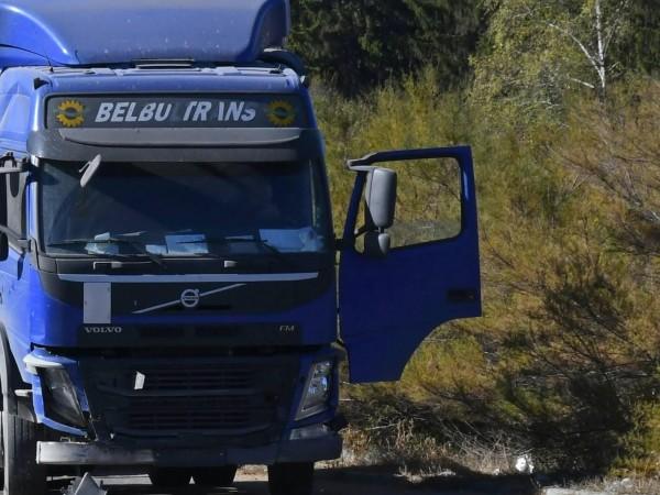 Катастрофа между ТИР и товарен микробус в района на бензиностанция