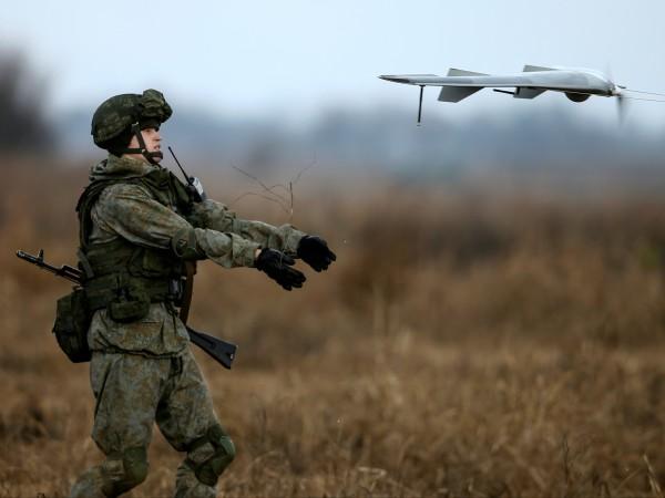 В Русия са разработени дронове килъри, предназначени да проследяват и