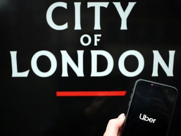 Компанията Uber беше застрашена да бъде забранена в Лондон, след