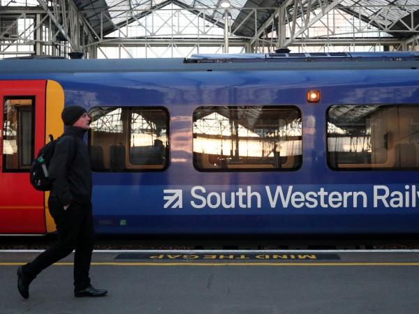 Снимка: Започна стачка на влакове в лондонски предградия