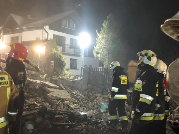 Снимка: Газова експлозия срути три етажа на сграда в Полша