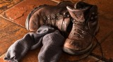 Обраха 30 чифта обувки от входа на блок в Благоевград