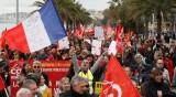 Френските синдикати с хубав мощен удар – заради пенсионната реформа