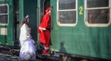 Дядо Коледа и Снежанка в теснолинейката на 14 декември