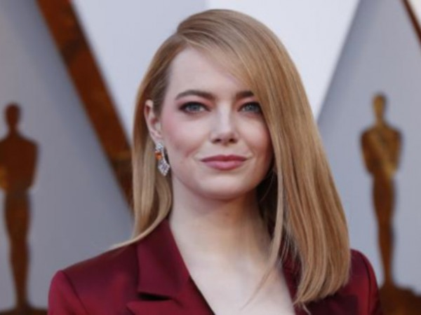 31-годишната актриса и приятелят ѝ Дейв Маккари обявиха щастливата новина