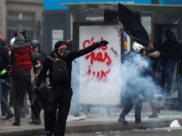 В Париж се стигна до инциденти по време на шествие
