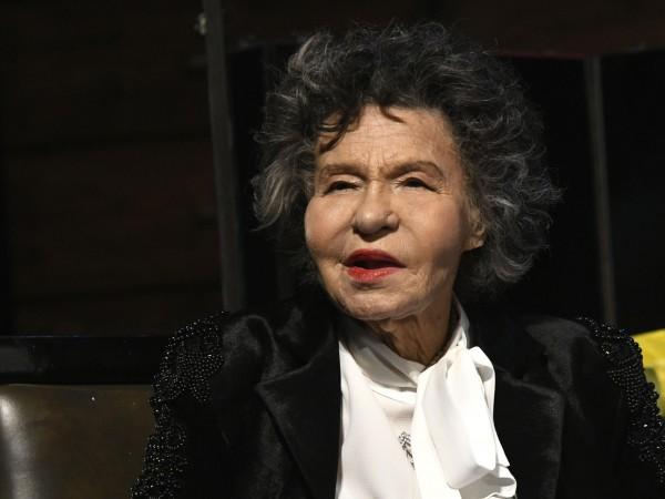 Стоянка Мутафова винаги ще бъде от символите на българския театър,