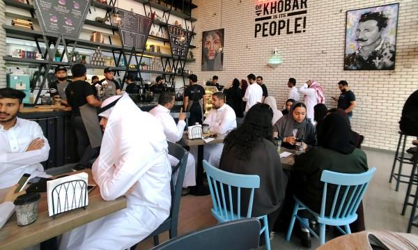 Саудитките вече са допуснати в ресторантите наравно с мъжете
