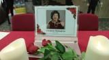 В кадър: Близки и колеги се прощават със Стоянка Мутафова