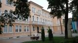 Седмокласничка колабира и почина в училище във Враца