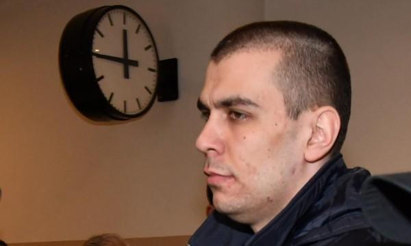 Убиецът Викторио в съда прехвърля вината върху Дарина