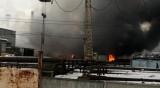 Пожар в Екатеринбург, запали се завод за бои и лакове