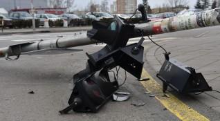 Светофар падна в центъра на София