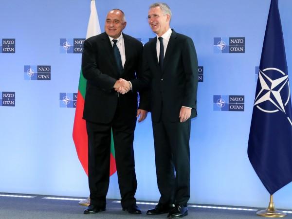 В нашия регион НАТО е единственият гарант за сигурността, заяви