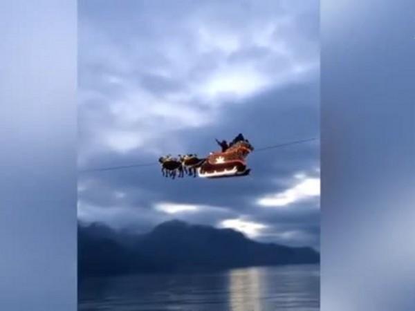 Дядо Коледа прелетя с шейната си над Монтрьо, Швейцария, съобщи