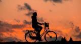 Камион блъсна възрастен велосипедист, състоянието му е тежко