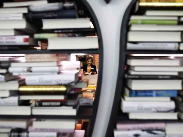 В царството на сагите Коледа не минава без книги под