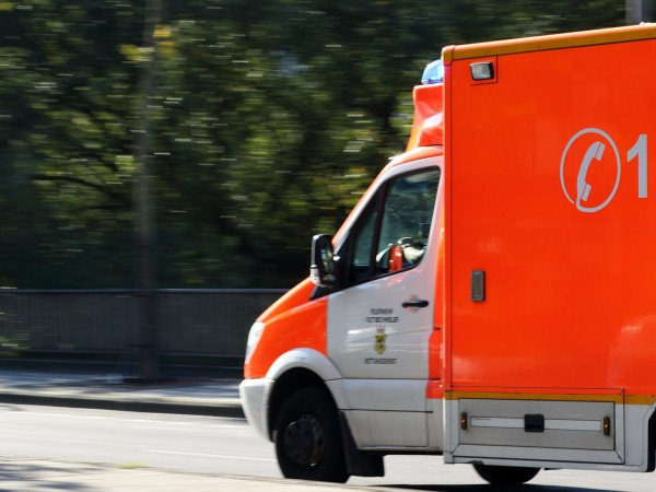Камион се преобърна в Рудозем, съобщи bTV. 61- годишен мъж