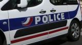 Мъж заплаши полицаи с нож в Париж, застреляха го
