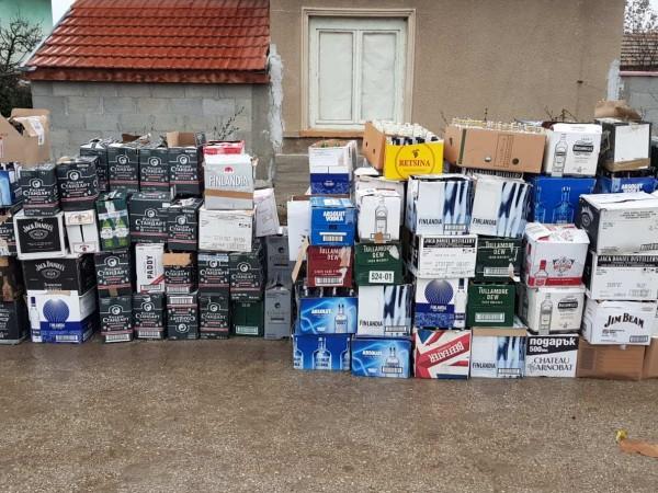 Голямо количество нелегален алкохол е открито при спецакция в Плевенско,