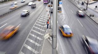Българите подкрепят по-високите такси за камиони и автобуси