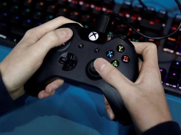 Днес Майкрософт представи най-новата си игрална конзола Xbox Series X,