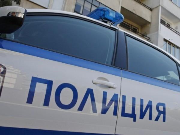 30-годишен мъж е задържан, защото е счупил предното стъкло на