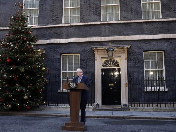 Британският премиер Борис Джонсън предупреди шотландската лидерка Никола Стърджън, че