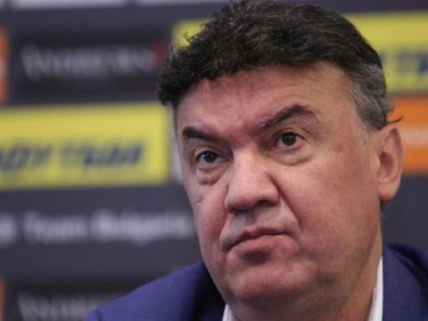 Борислав Михайлов получи специално благодарствено писмо от президентът на ФИФА