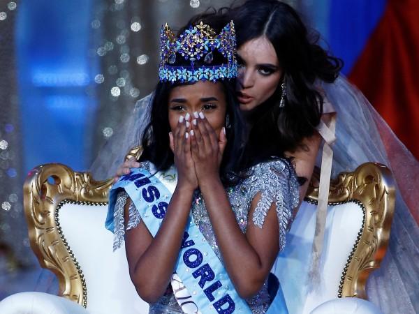 23-годишната Тони-Ан Сингх от Ямайка беше коронясана днес за Мис