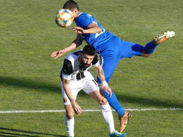 """Локомотив Пловдив и Левски завършиха 0:0 на """"Лаута"""" и по"""