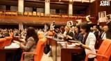 С песен и танц: Турски депутатки срещу насилието над жени