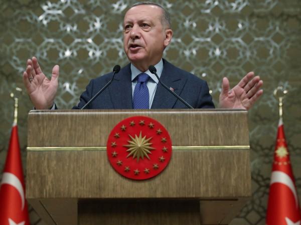 """Турският президент Реджеп Тайип Ердоган заплаши, че ще затвори, """"ако"""