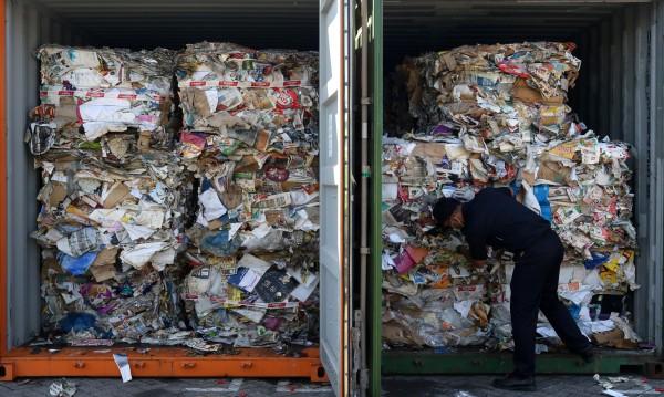 Италианската мафия, фалшиви документи: Пътят на западния боклук към Изтока