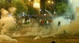 Протести, гумени куршуми и водни оръдия в Бейрут