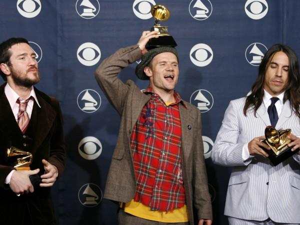 Вчера Red Hot Chili Peppers обявиха, че се разделят с