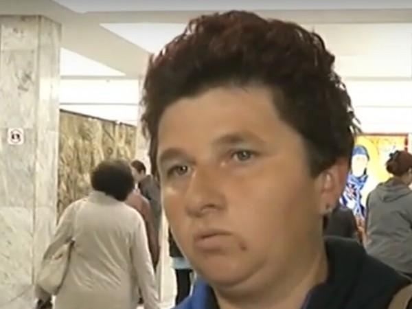 Росица Маринова - майката на 9-годишния Стефан от Кардам, който