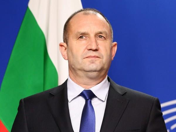 Президентът Румен Радев издаде указ за освобождаването на Сотир Цацаров