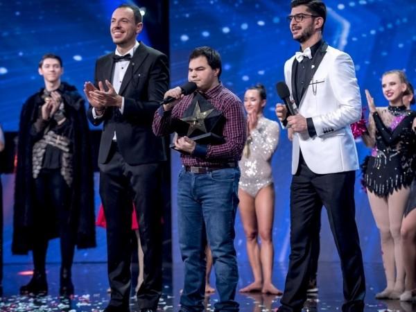 """Големият победител на """"България търси талант"""" е Андриян Асенов, който"""