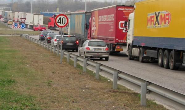 Спират движението на камиони по магистралите