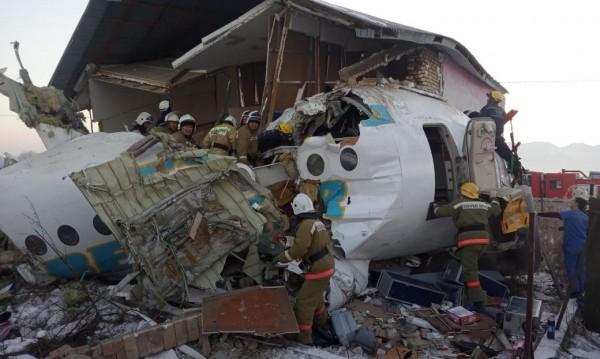 Пътнически самолет се разби в Казахстан, има жертви