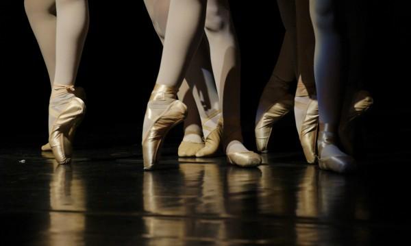 Компромис за пенсионирането на френските танцьори, ще приемат ли?