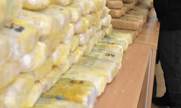 Тютюн, валута, лекарства: Златното време на контрабандата - по празници