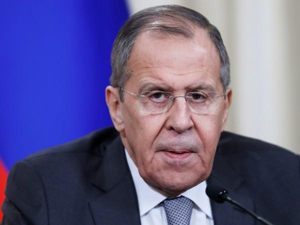 Руският външен министър Сергей Лавров в телефонен разговор с държавния
